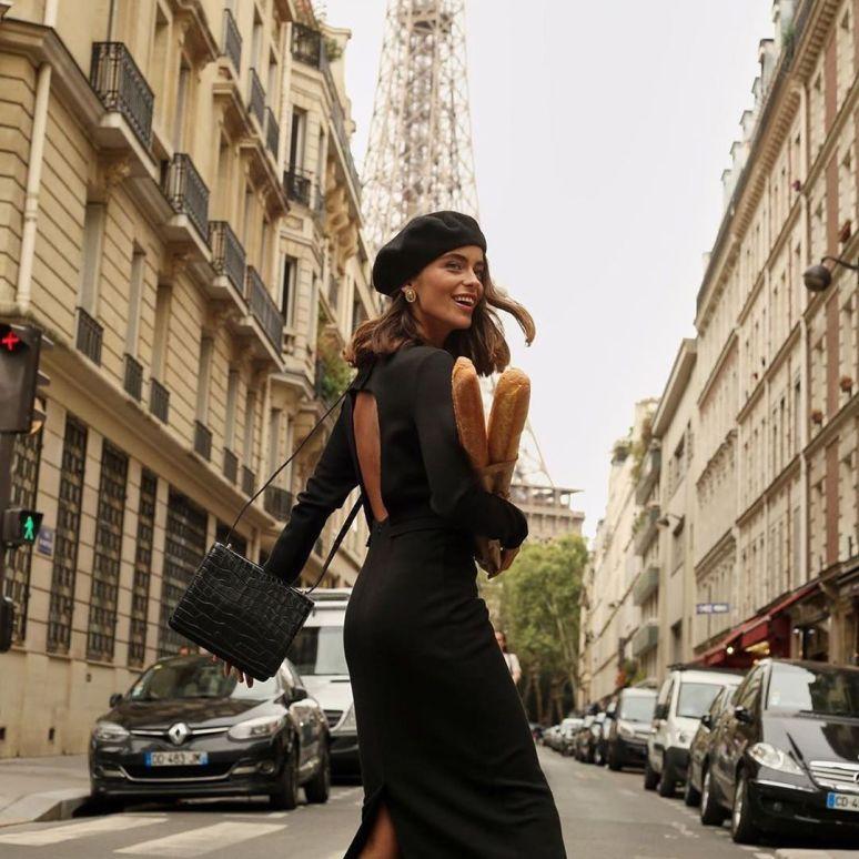 "@lestylealafrancaise on Instagram_ ""❤️Le style à la française __ #frenchgirl #frenchygirl #parisian #paris #parisienne #lestyleàlafrançaise #lookoftheday #frenchgirl…"""